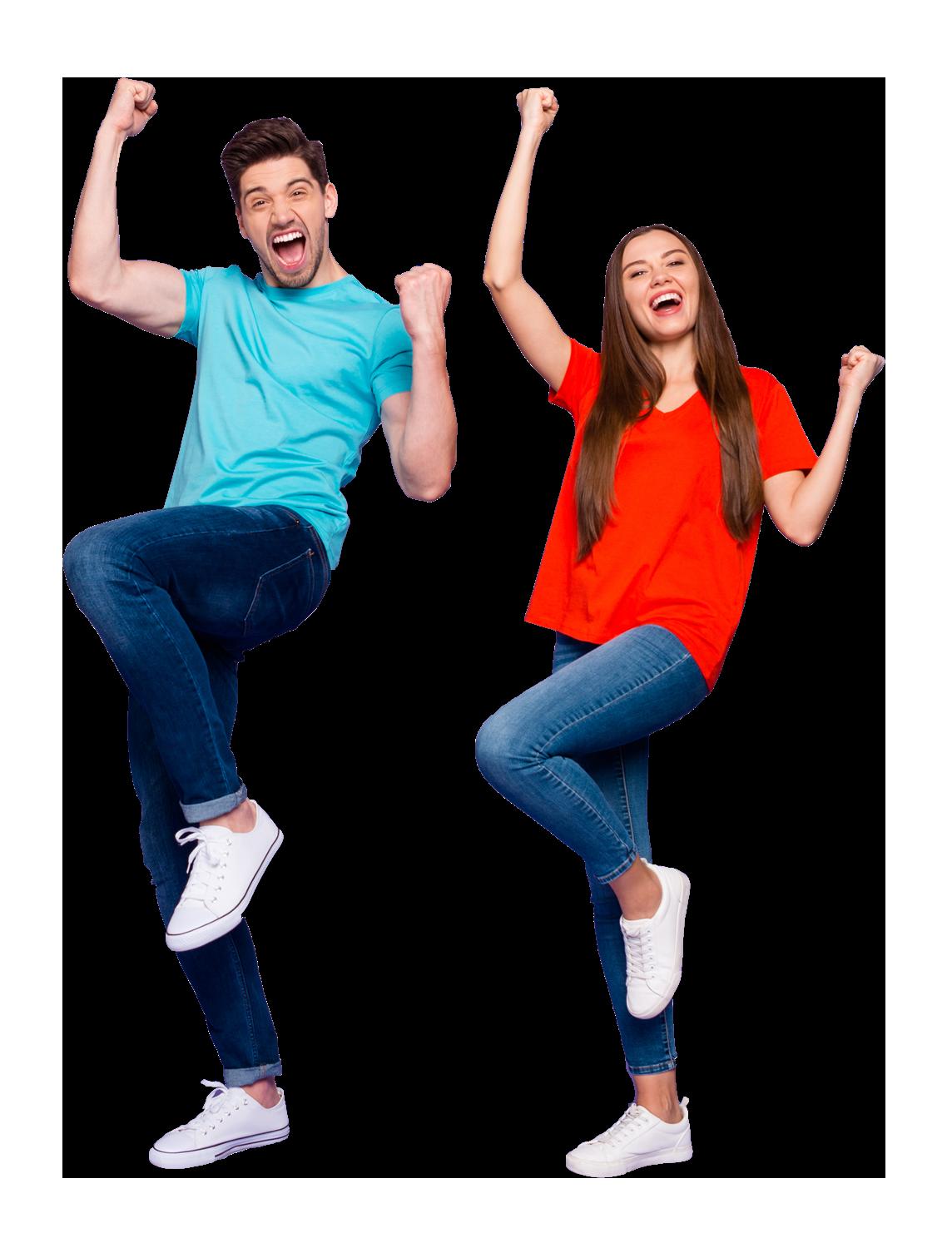 Chico y chica saltando contentos